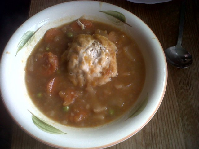 Vegetable soup with dumpling