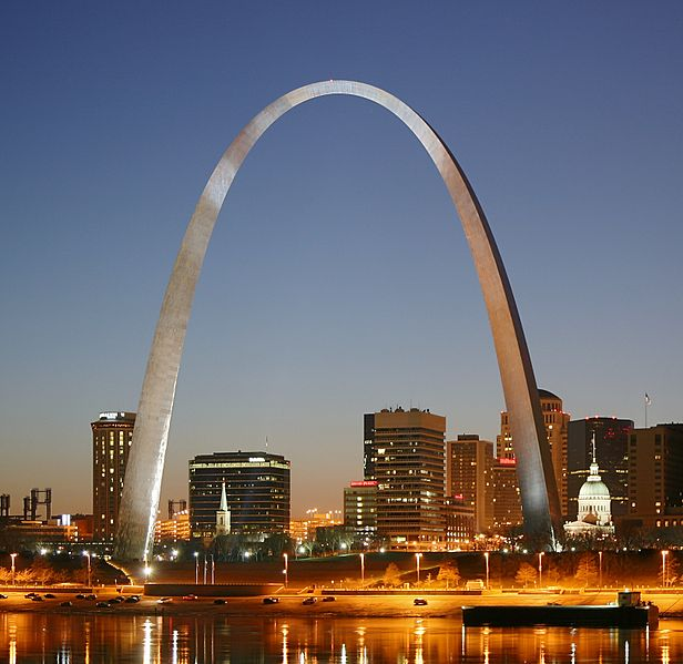 616px-St_Louis_night_expblend_cropped